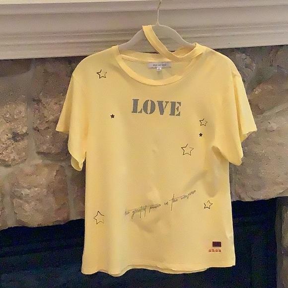 Peace love world tee shirt. Short sleeves size S